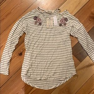 NWT PINK ROSE STRIPED DETAILED TOP